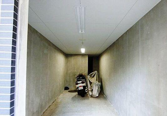 マンション(建物一部)-神戸市兵庫区新開地4丁目 バイク置場あるので移動も楽々。