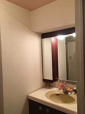 中古マンション-熱海市上多賀 キッチン・洗面室・浴室温水は電気温水器を利用して温められています。