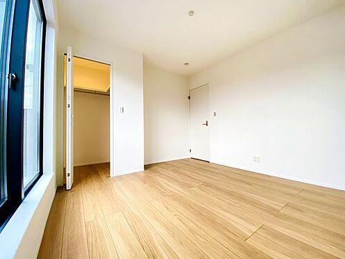 新築一戸建て-福岡市南区西長住3丁目 南面洋室には、大きなWICがございます!