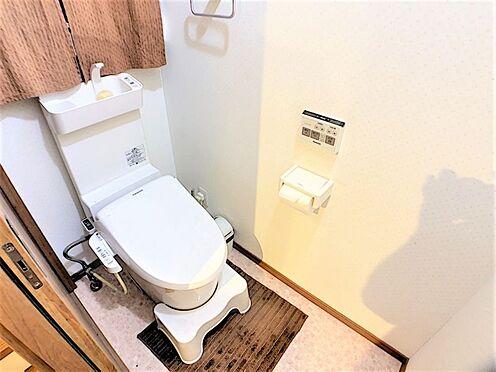 戸建賃貸-愛知郡東郷町大字春木字中屋敷 清潔感あふれるトイレ!収納スペースもございます!