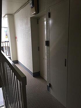 マンション(建物一部)-寝屋川市長栄寺町 共用部廊下