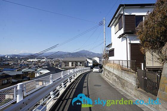 中古一戸建て-平塚市片岡 前面道路含む現地写真