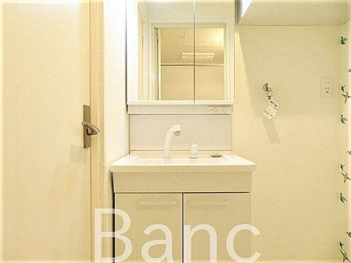 中古マンション-世田谷区松原1丁目 きれいで使いやすい洗面台です。