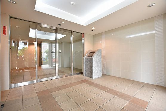 中古マンション-江東区平野3丁目 オートロックや防犯カメラが設置された風除室