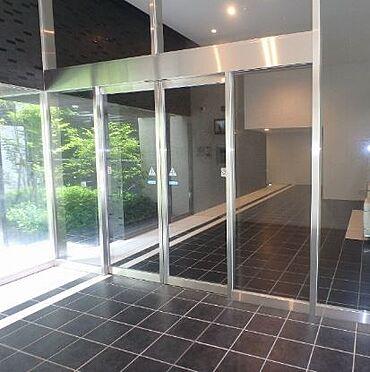 マンション(建物一部)-大阪市中央区釣鐘町2丁目 日当たり良好な明るいエントランス。