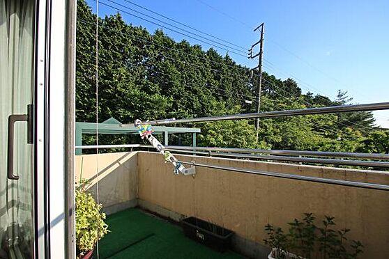 中古マンション-田方郡函南町平井 ルールテラスではない一般的なバルコニーのため外から人目が気になりません。