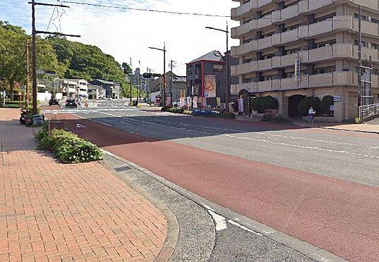 区分マンション-北九州市八幡東区中央1丁目 前面道路写真。