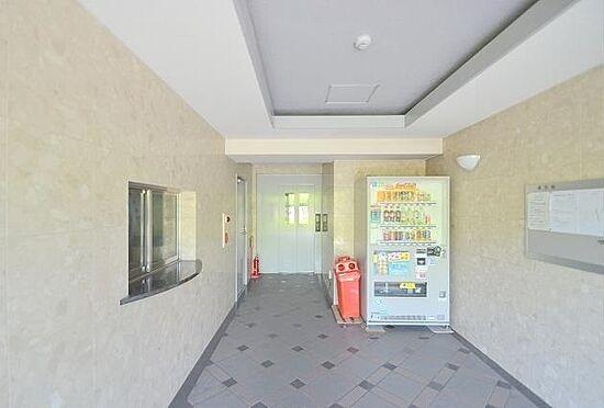 マンション(建物一部)-大阪市淀川区西中島1丁目 綺麗に清掃されたエントランス。