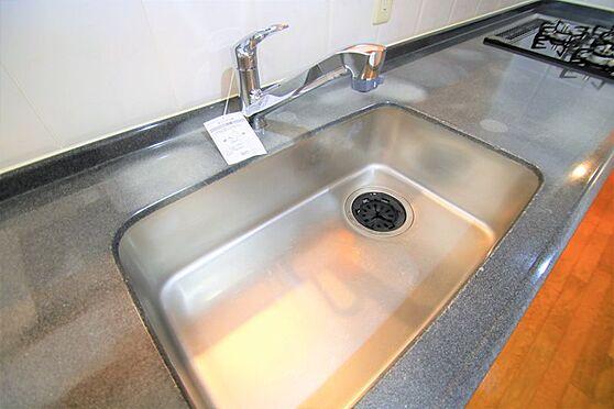 リゾートマンション-熱海市咲見町 キッチン(2):水栓を新規交換済み