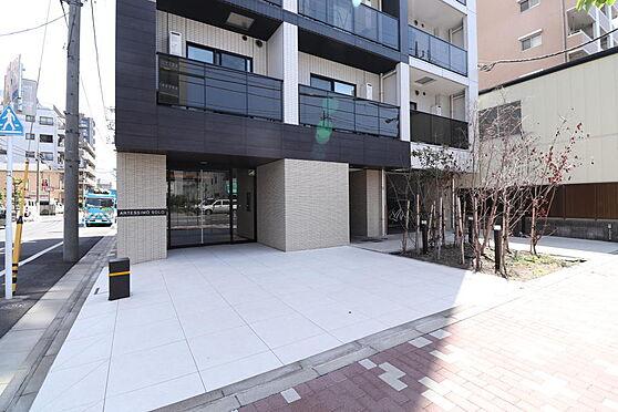 マンション(建物一部)-墨田区東駒形4丁目 住まう方、訪れる方を上品に迎えるエントランス。