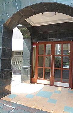 マンション(建物一部)-大阪市港区市岡1丁目 モダンなエントランス。