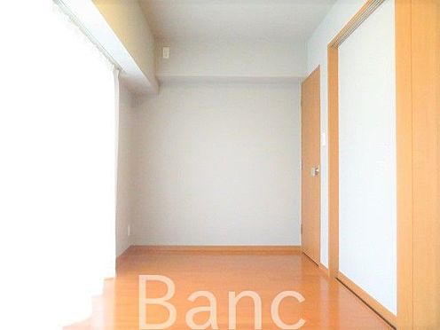 中古マンション-新宿区弁天町 約6帖の洋室です。
