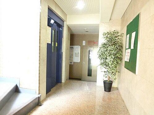 マンション(建物一部)-大阪市西淀川区野里1丁目 明るい印象の共用スペース
