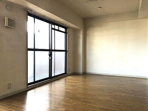 中古マンション-桜井市大字谷 南向きバルコニーから日差しがたっぷり入ります。