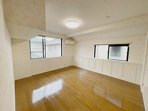 戸建賃貸-浦安市舞浜3丁目 2階10.56帖の洋室。ウォークインクロゼット付きです。