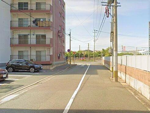 マンション(建物一部)-北九州市戸畑区牧山新町 前面道路写真。