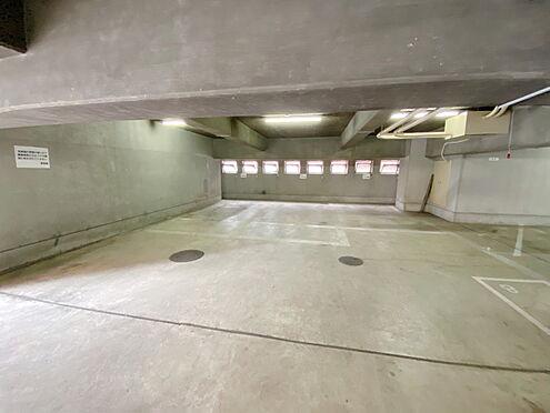区分マンション-千代田区九段南3丁目 入口から入って左側部分です。