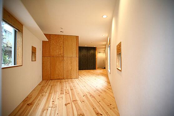 アパート-新宿区富久町 1階洋室