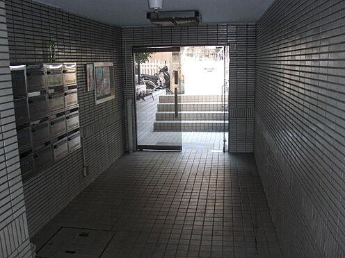 マンション(建物一部)-中野区中央2丁目 エントランスホールの様子です