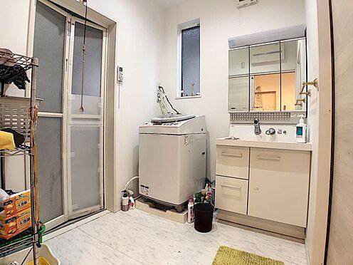 中古一戸建て-岡崎市真伝吉祥2丁目 ゆとりある洗面スペース!使いやすい三面鏡タイプの洗面台です♪