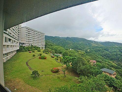 中古マンション-伊東市岡 お部屋から左方面の眺めです。