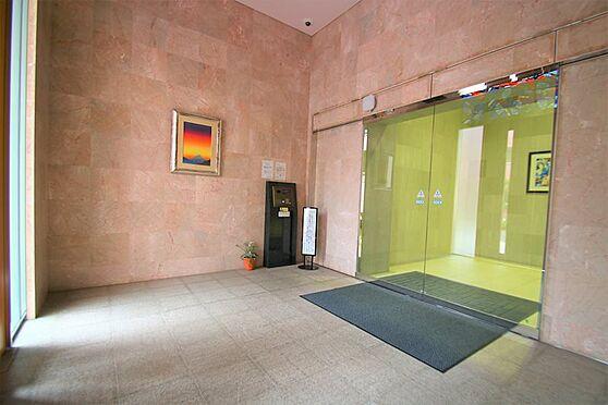 中古マンション-足柄下郡湯河原町宮上 風除室:エントランス扉を開けていただくとオートロックがございます。