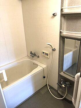 中古マンション-桜井市大字谷 半身浴もゆっくり楽しめる1坪の広々浴室お子様と一緒のバスタイムも楽しめますね。追い焚き機能を完備しております。