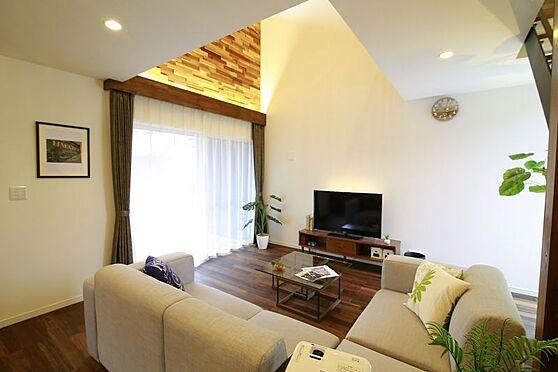 中古一戸建て-豊田市大林町10丁目 人気のリビング階段採用!家族の会話が自然と増えますね。