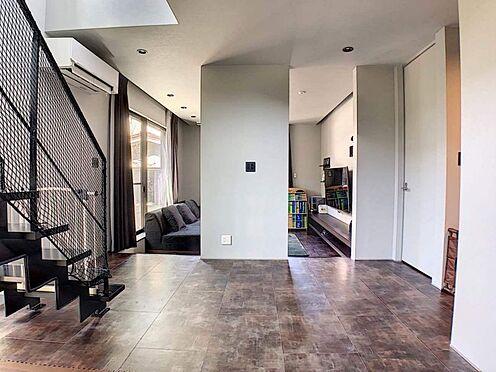 中古一戸建て-名古屋市緑区鏡田 吹抜けもあり開放的!リビング階段なので毎日ご家族とのコミュニケーションを撮ることが出来ます