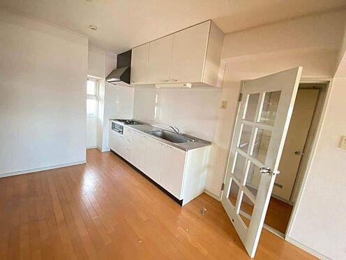 区分マンション-東海市養父町北反田 ゆとりあるキッチンスペースでご家族でお料理を作ることもできます