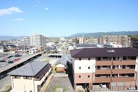 中古マンション-橿原市栄和町 最上階からの景色を是非お楽しみ下さい。視界をさえぎる建物は無く開放感あふれる風景が広がります。