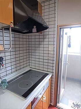 中古マンション-横浜市港南区野庭町 キッチンに窓掲載中の家具、調度品等は販売価格に含まれません