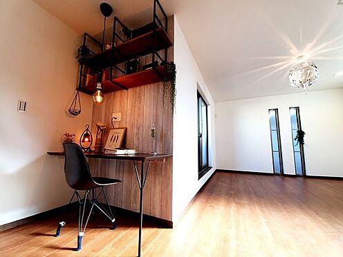新築一戸建て-八王子市堀之内2丁目 在宅ワークにも適応!リビングでPCや読書、書き物等を手軽にできるカウンタースペース付!