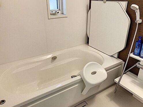 戸建賃貸-知多郡東浦町大字緒川字組田 浴室は1坪以上!浴室乾燥機付きで、夜にお洗濯をする方でもスッキリ乾かせます