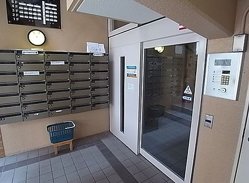 マンション(建物一部)-神戸市兵庫区水木通1丁目 清掃されたエントランス。オートロック付きで安心です。