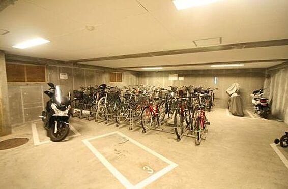 マンション(建物一部)-神戸市北区松が枝町3丁目 明るい雰囲気の駐輪場