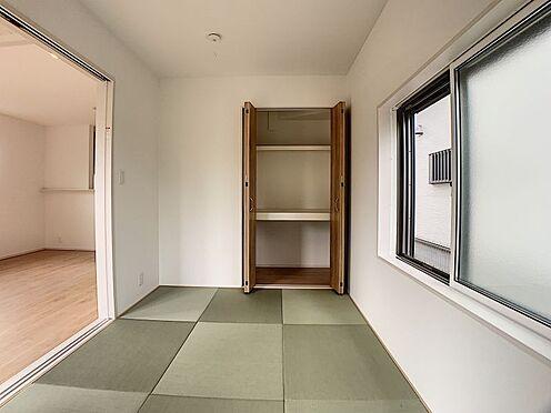 新築一戸建て-豊田市朝日町1丁目 リビング横の和室。来客時に客間になるので大変便利です♪(こちらは施工事例です)