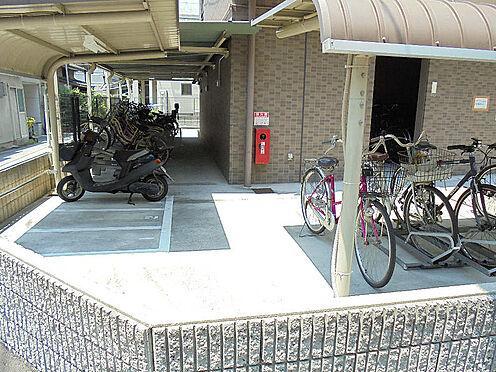 マンション(建物一部)-大阪市西区本田4丁目 駐輪場やバイク置場があり、移動が便利です。