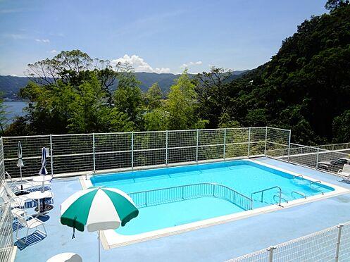 中古マンション-熱海市上多賀 夏場には屋外プールを利用できるリゾートマンションになります。