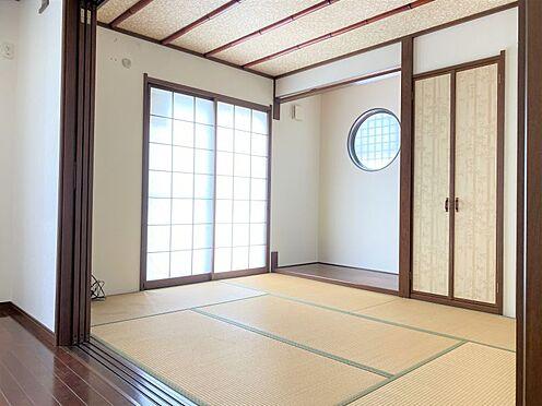 中古一戸建て-長久手市山野田 LDKに隣接する和室は開放すればより広々とした空間に♪