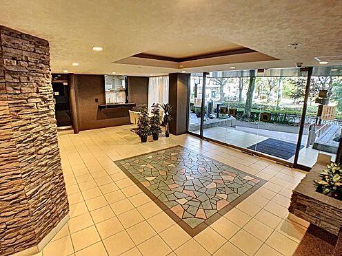 中古マンション-名古屋市名東区上社2丁目 エレガントなエントランスでお客様をお迎えいたします。
