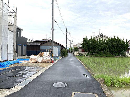 戸建賃貸-北葛城郡広陵町大字南郷 前面道路幅は交通量が少なく、小さなお子様がいらしても安心。とっても静かな環境です。