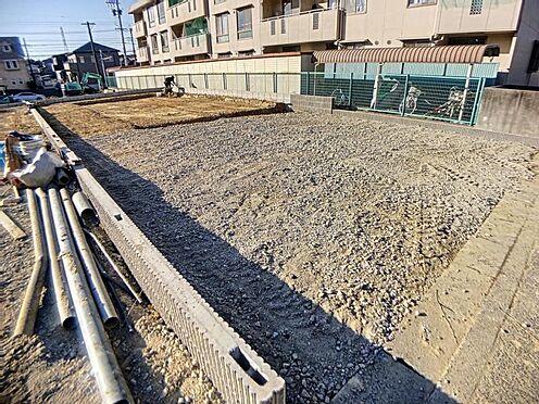 新築一戸建て-半田市柊町4丁目 閑静な住宅街で、スーパーやコンビニも身近に揃います。