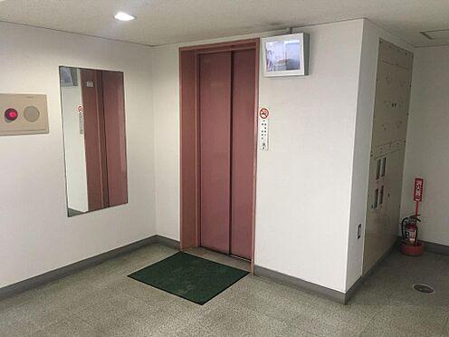 マンション(建物一部)-新宿区左門町 エレベーターの写真です。