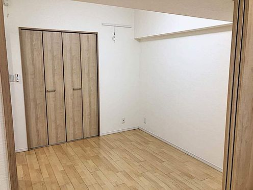区分マンション-名古屋市西区貴生町 LDK・廊下のどちらからも出入り可能な洋室6帖。