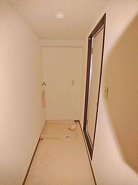 中古マンション-伊東市岡 洗面・脱衣スペースです。