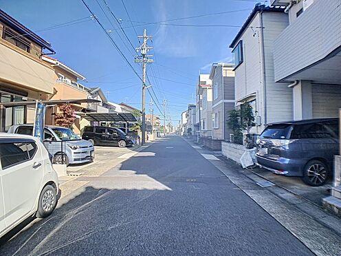 新築一戸建て-名古屋市守山区天子田1丁目 前面道路はゆとりがあり、車の出し入れもしやすいです。