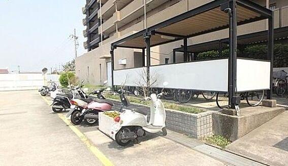 マンション(建物一部)-神戸市西区池上1丁目 屋根付きの駐輪スペースあり