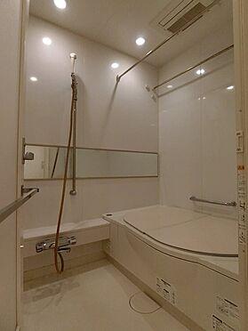 中古マンション-横浜市神奈川区橋本町2丁目 1418サイズの浴室はゆとりを感じます