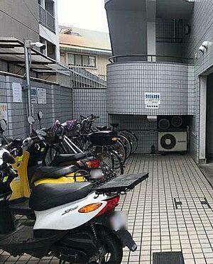マンション(建物一部)-京都市伏見区深草泓ノ壺町 駐輪スペース完備